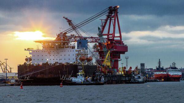 Loď na pokládku potrubí Fortuna v Německu. Ilustrační foto - Sputnik Česká republika