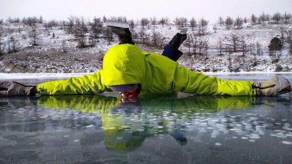 Ledová fantasmagorie Bajkalu: Takové zázraky lze spatřit pouze v zimě - Sputnik Česká republika
