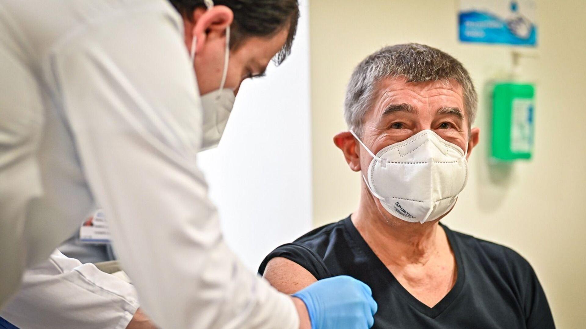 Premiér ČR Andrej Babiš si nechal píchnout druhou dávku vakcíny - Sputnik Česká republika, 1920, 05.02.2021