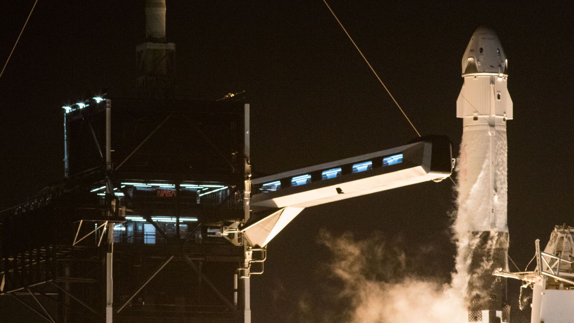 Start rakety Falcon 9 s lodí Crew Dragon - Sputnik Česká republika, 1920, 18.09.2021