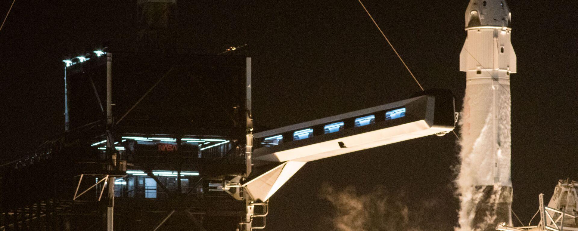 Start rakety Falcon 9 s lodí Crew Dragon - Sputnik Česká republika, 1920, 02.02.2021