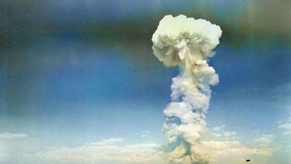 Testování jaderné bomby v roce 1954. Ilustrační foto - Sputnik Česká republika