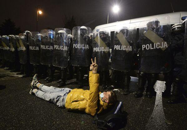 Protestní akce proti zpřísnění potratové legislativy ve Varšavě v Polsku. - Sputnik Česká republika