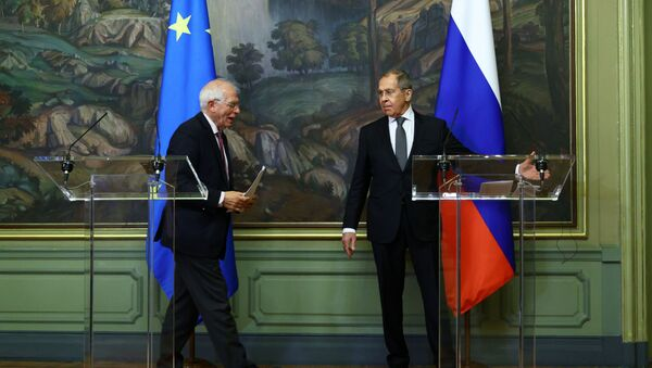 Ruský ministr zahraničí Sergej Lavrov a šéf zahraniční politiky Evropské unie Josep Borrell se účastní tiskové konference po jejich jednáních v Moskvě 5. února 2021 - Sputnik Česká republika