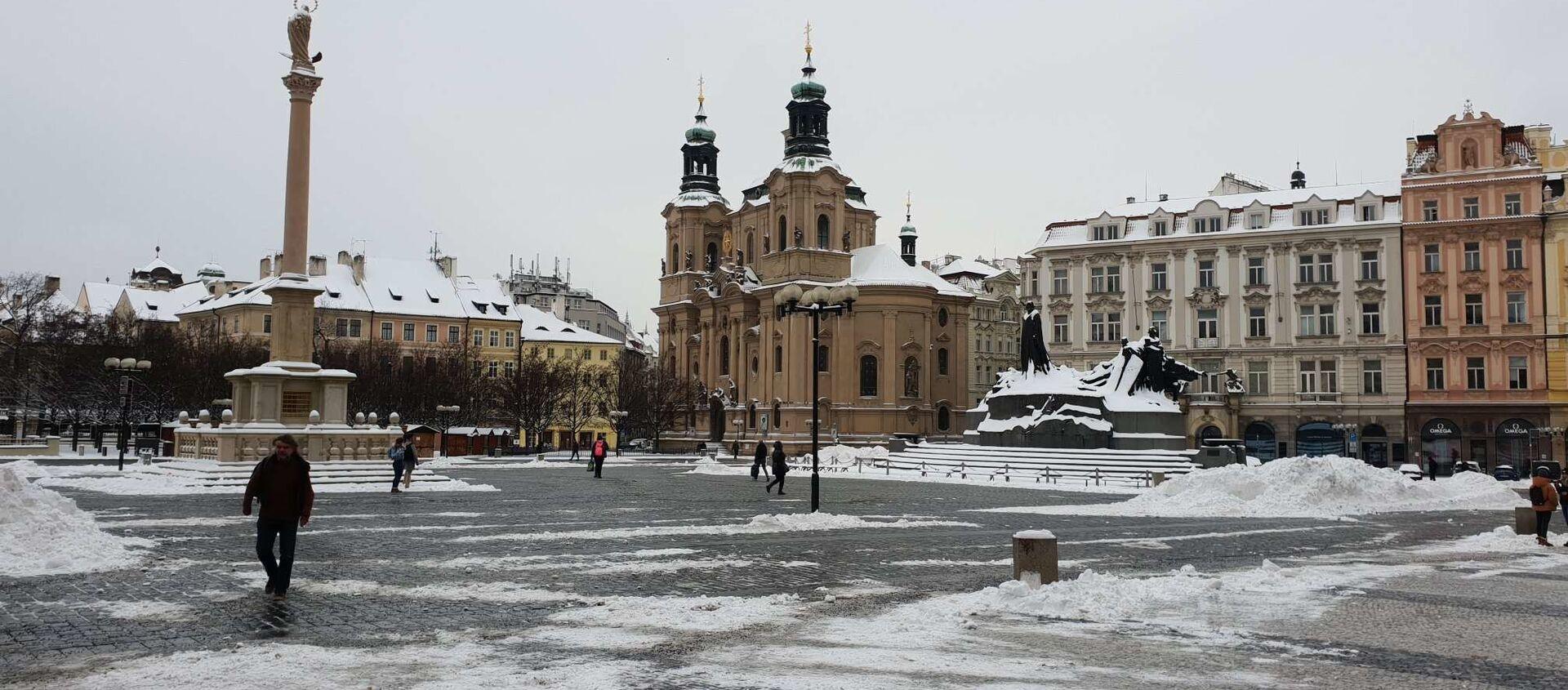 Jinde dnes Praha zela prázdnotou, nezvykle pustě dnes vyhlíželo Staroměstské náměstí... - Sputnik Česká republika, 1920, 21.02.2021