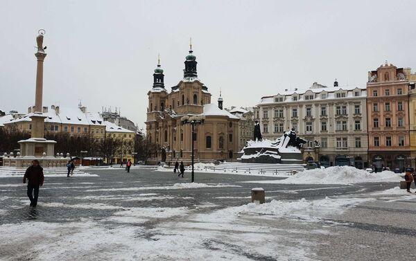 Jinde dnes Praha zela prázdnotou, nezvykle pustě dnes vyhlíželo Staroměstské náměstí... - Sputnik Česká republika
