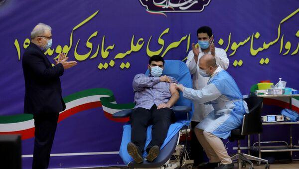 Syn ministra zdravotnictví Íránu během vakcinace - Sputnik Česká republika