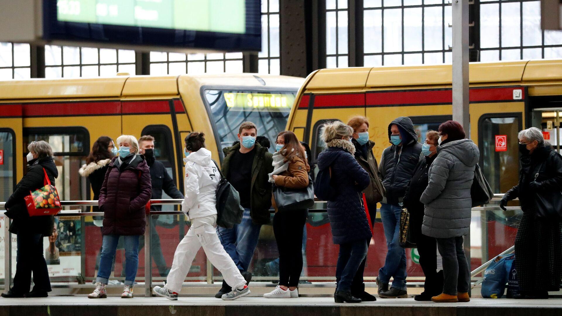 Lidé na nádraží v Berlíně, Německo - Sputnik Česká republika, 1920, 10.02.2021