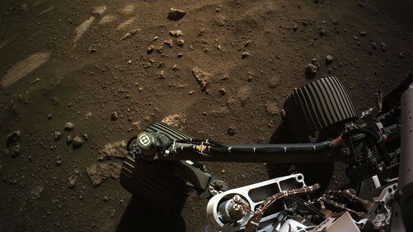Вид с навигационной камеры на марсоход Perseverance Mars Rover - Sputnik Česká republika