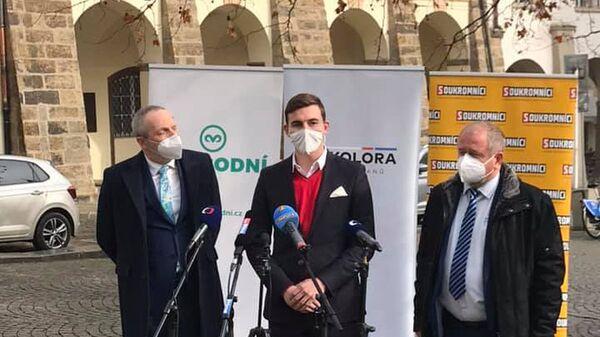 Tisková konference předsedů českých stran Trikolóra, Svobodní и Soukromníci - Sputnik Česká republika