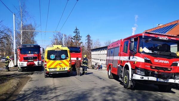 Záchranáři a hasiči v Plzni na místě exploze. - Sputnik Česká republika