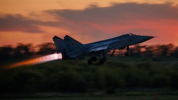 Stíhací letoun MiG-31 - Sputnik Česká republika