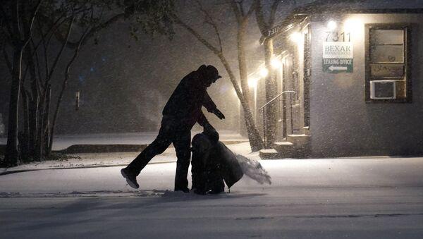 Následky sněžení v San Antoniu v Texasu - Sputnik Česká republika