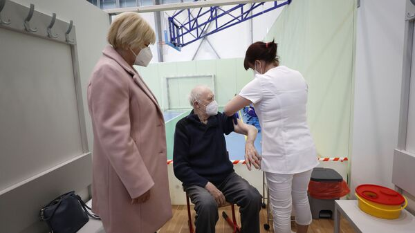 Očkování seniorů v Česku - Sputnik Česká republika