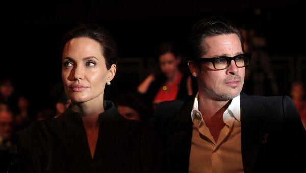 Angelina Jolie a Brad Pitt - Sputnik Česká republika