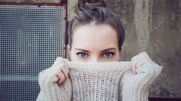 Žena s modrými očima - Sputnik Česká republika
