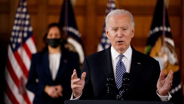 Americký prezident Joe Biden a viceprezidentka Kamala Harris - Sputnik Česká republika