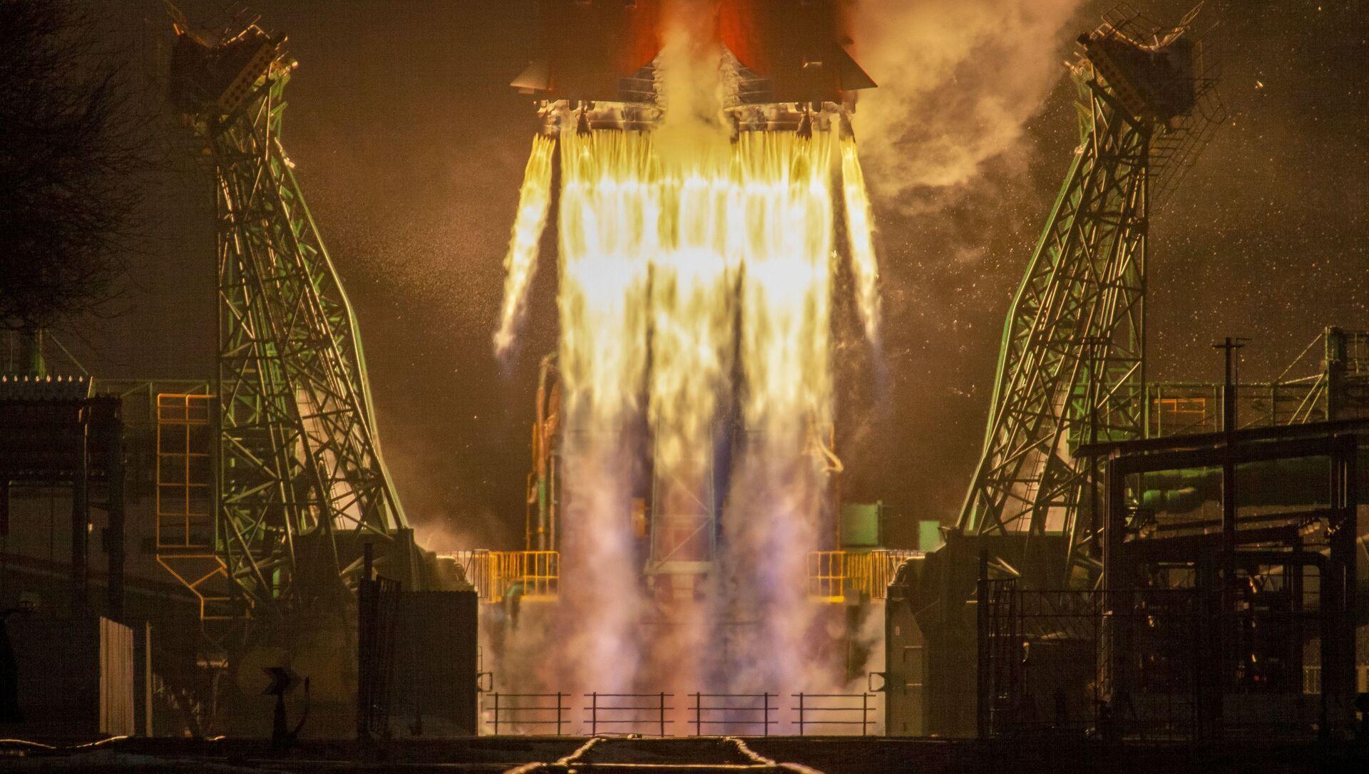 Z Bajkonuru odstartovala raketa Sojuz s 38 družicemi - Sputnik Česká republika, 1920, 22.03.2021
