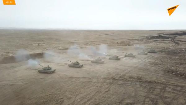 Bojové střelby ruských motorizovaných jednotek v Zabajkalském kraji - Sputnik Česká republika