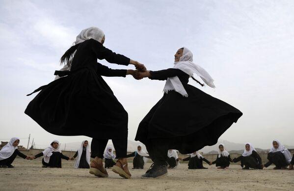 Žáci v Kábulu, Afghánistán. - Sputnik Česká republika