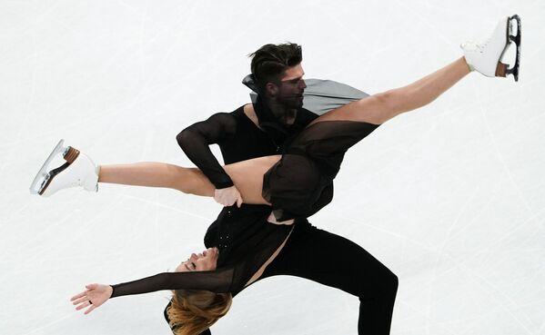 Alexandra Stěpanovová a Ivan Bukin během vystoupení na Mistrovství světa v krasobruslení. - Sputnik Česká republika