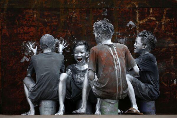 Teenageři v Jakartě, Indonésie. - Sputnik Česká republika