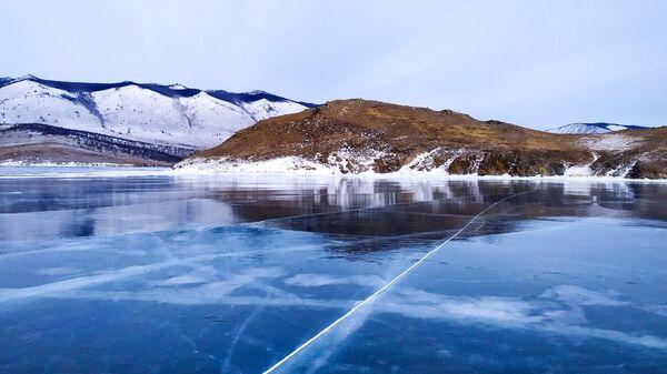 Led na jezeru Bajkal - Sputnik Česká republika