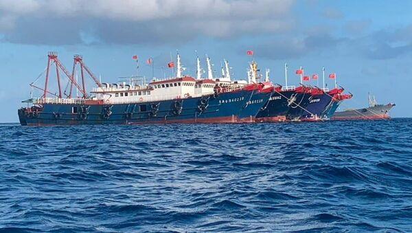 Rostoucí napětí v Jihočínském moři. Filipíny požadují odsun lodí s čínskými námořními milicemi - Sputnik Česká republika