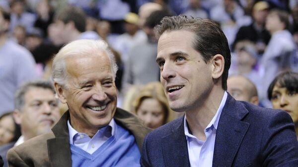 Joe Biden s synem Hunterem Bidenem. - Sputnik Česká republika