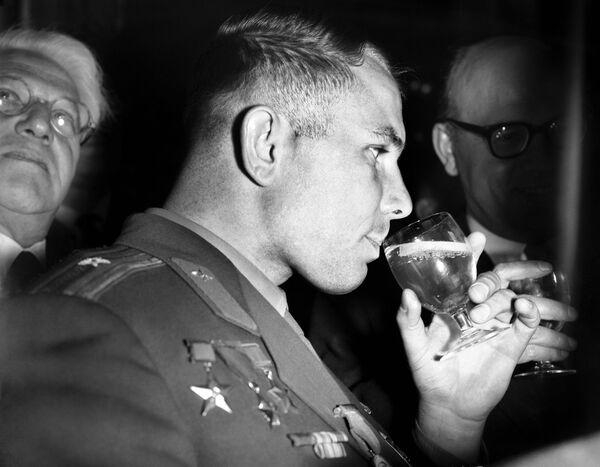 Kosmonaut Jurij Gagarin v Londýně. - Sputnik Česká republika