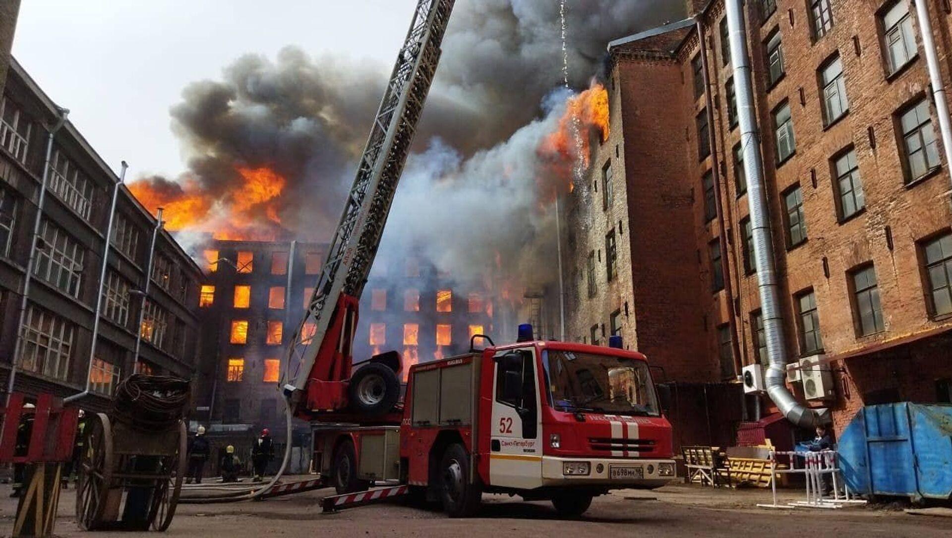 Požár historické budovy Něvská manufaktura v Petrohradu - Sputnik Česká republika, 1920, 12.04.2021