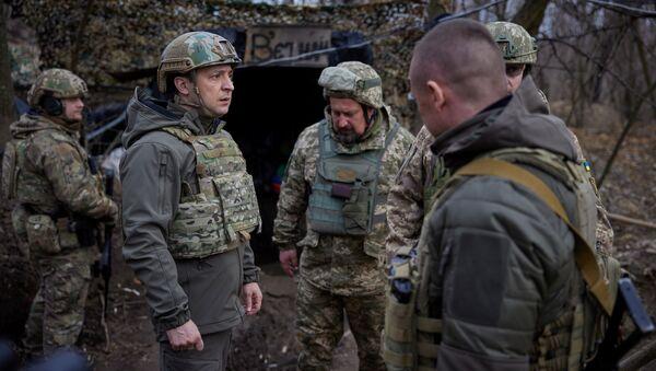 Ukrajinský prezident Volodymyr Zelenskyj na Donbasu - Sputnik Česká republika