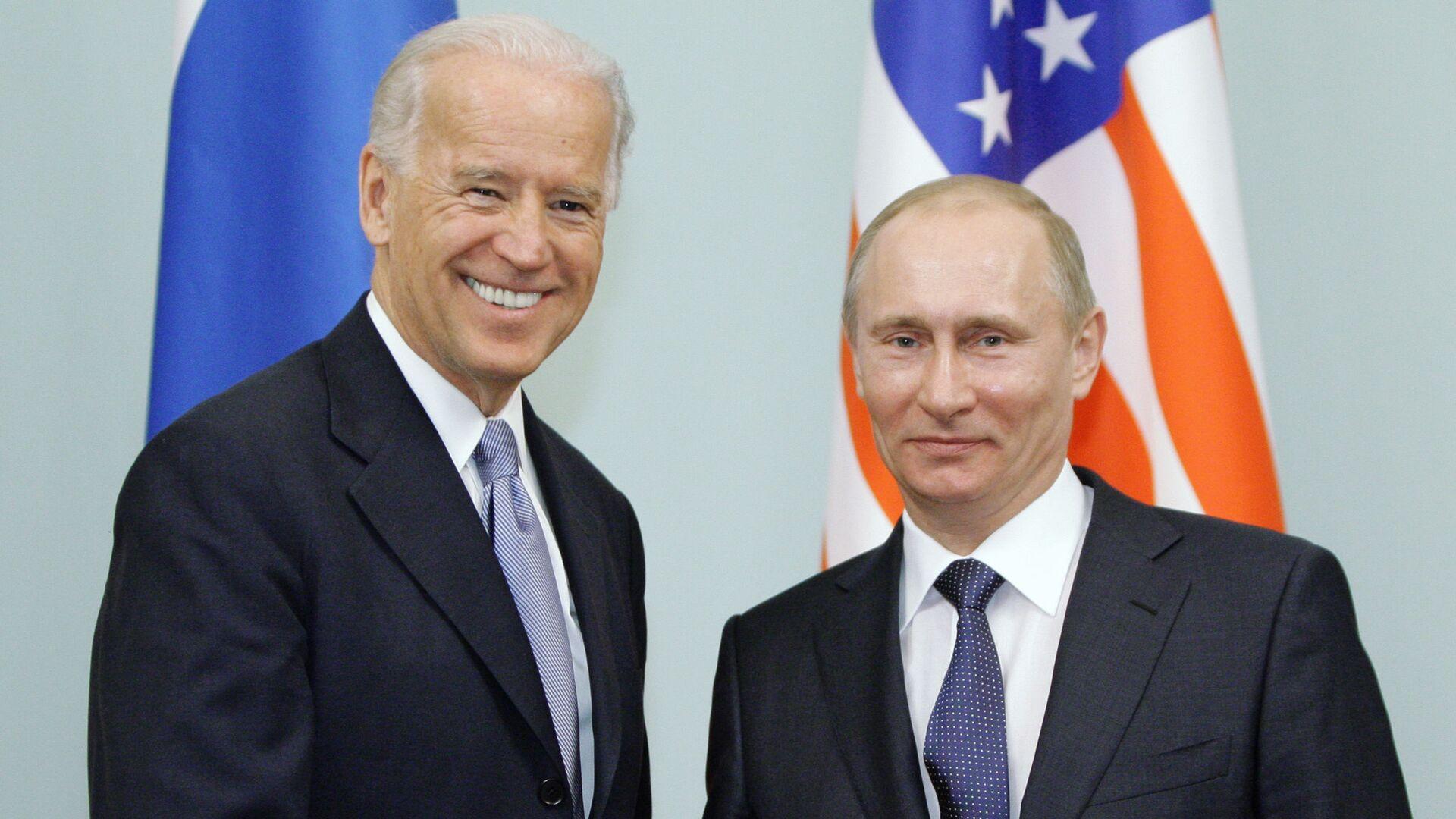 Vladimir Putin a Joe Biden v roce 2011 - Sputnik Česká republika, 1920, 06.06.2021