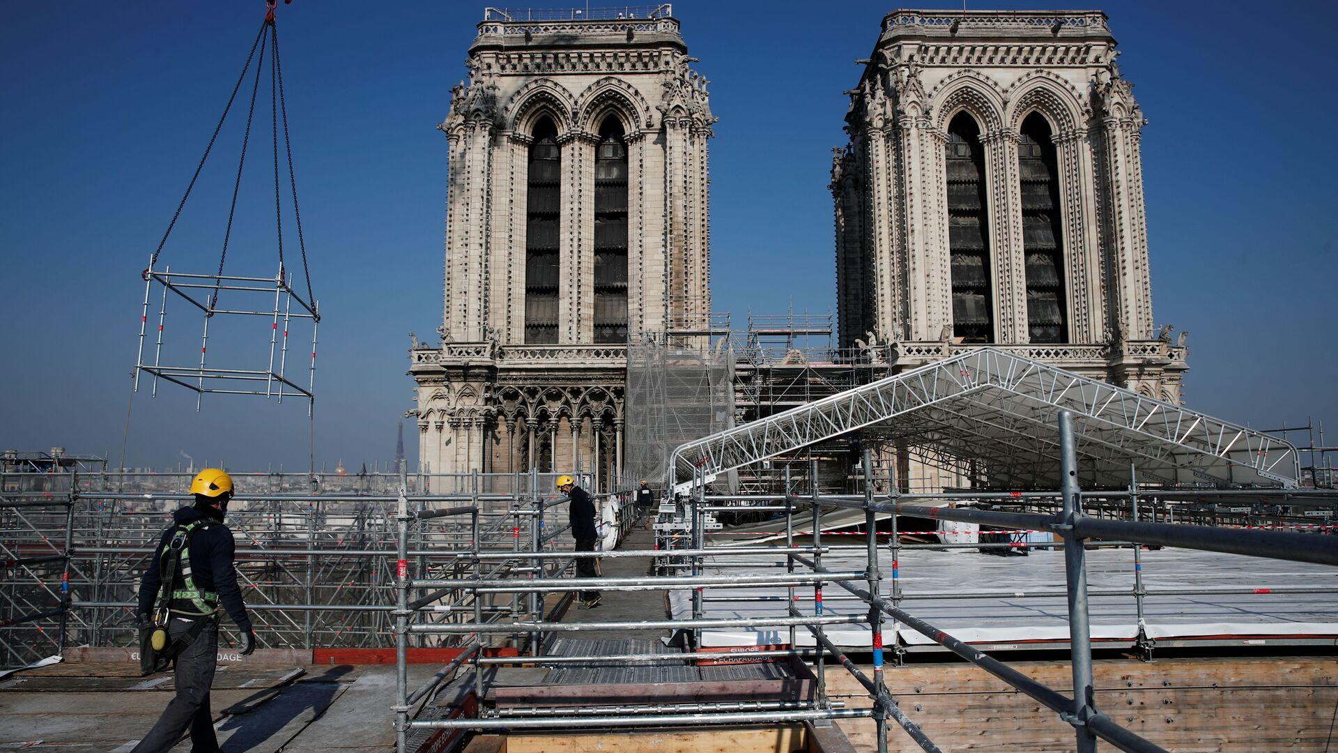 Zpevnění vyhořelé katedrály Notre Dame - Sputnik Česká republika, 1920, 18.09.2021