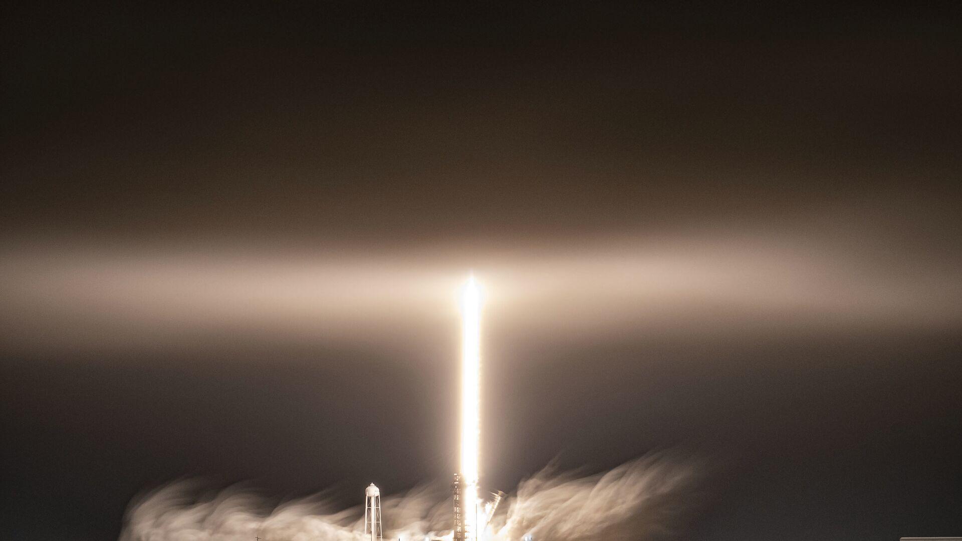 Start rakety Falcon 9 americké společnosti SpaceX - Sputnik Česká republika, 1920, 16.04.2021