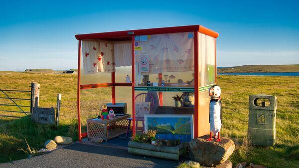 Автобусная остановка Bobby's Bus Shelter в Шотландии - Sputnik Česká republika