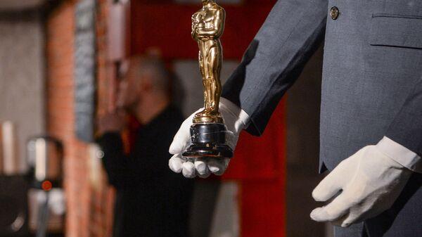 Арт-объект - фигура Леонардо Ди Каприо с Оскаром - Sputnik Česká republika