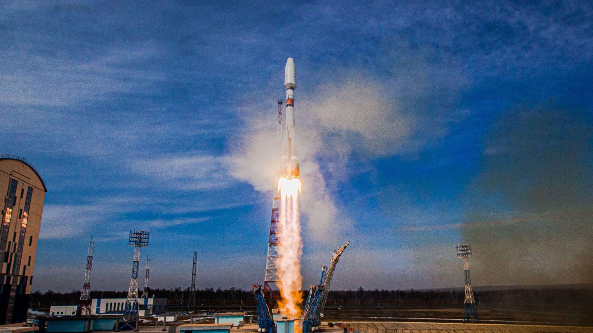 Start nosné rakety Sojuz 2 z kosmodromu Vostočnyj v ruské Amurské oblasti - Sputnik Česká republika, 1920, 26.04.2021