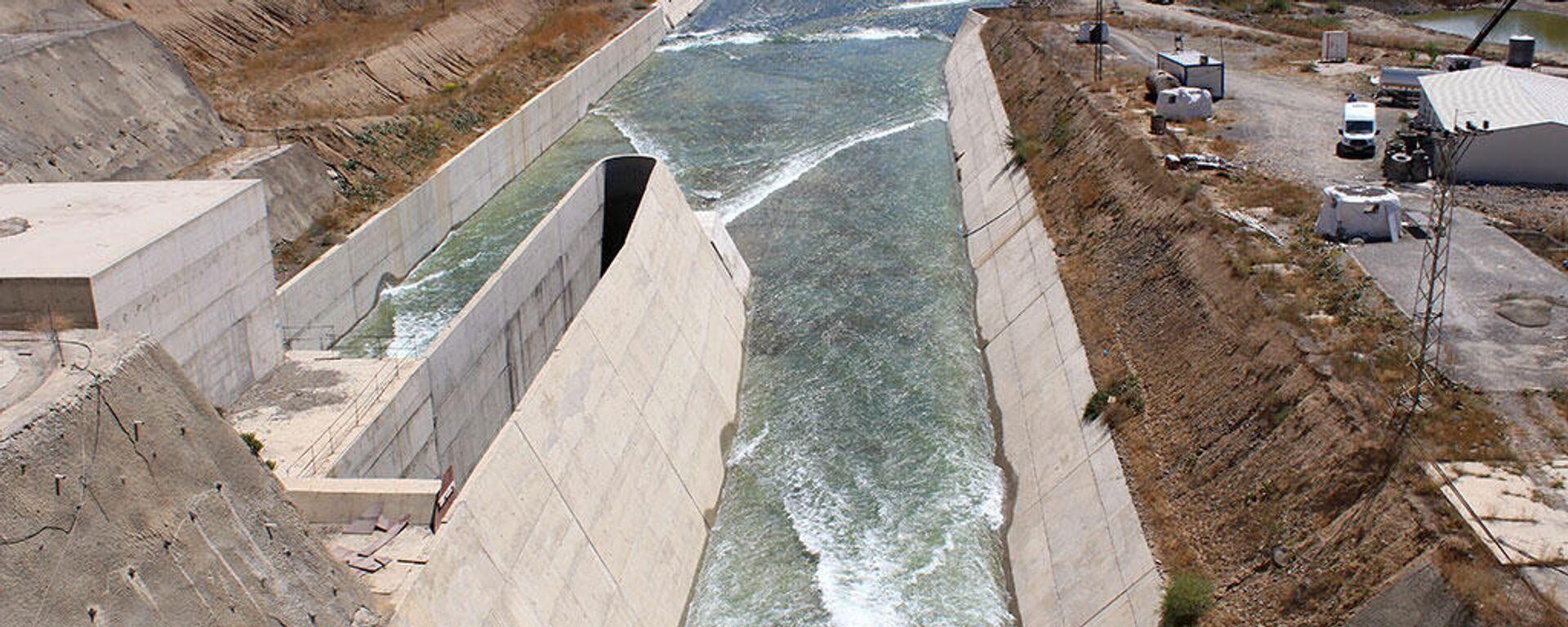 Stavba vodní elektrárny Alpaslan v Turecku společní Energo-Pro - Sputnik Česká republika, 1920, 27.04.2021