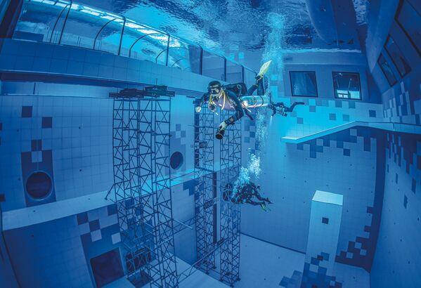 Nejhlubší bazén na potápění na světě (45,5 m), Polsko - Sputnik Česká republika