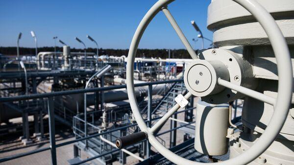 Береговые объекты на территории газораспределительного центра магистрального газопровода Северный поток-2 в городе Любмин в Германии - Sputnik Česká republika