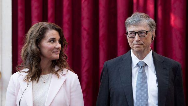 Основатель Microsoft Билл Гейтс с супругой Мелиндой в Париже - Sputnik Česká republika