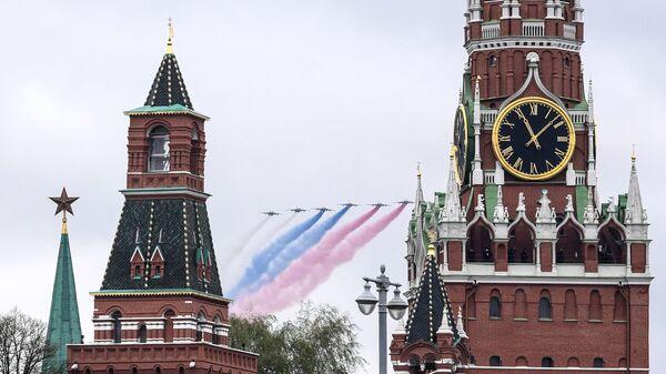 Su-25BM během letecké části průvodu na počest 76. výročí vítězství ve Velké vlastenecké válce v Moskvě - Sputnik Česká republika