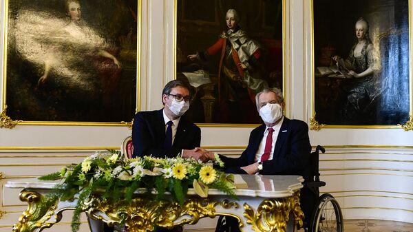 Президент Сербии Александр Вучич и президент Чехии Милош Земан во время встречи в Пражском Граде - Sputnik Česká republika