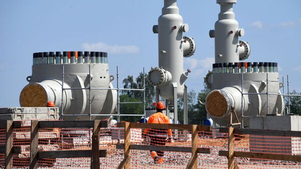 Рабочий на участке строительства газопровода Северный поток-2 - Sputnik Česká republika