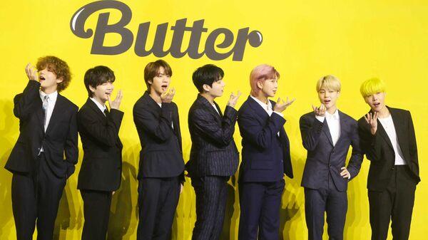 Участники южнокорейской группы BTS во время пресс-конференции, посвященной их новому синглу Butter - Sputnik Česká republika