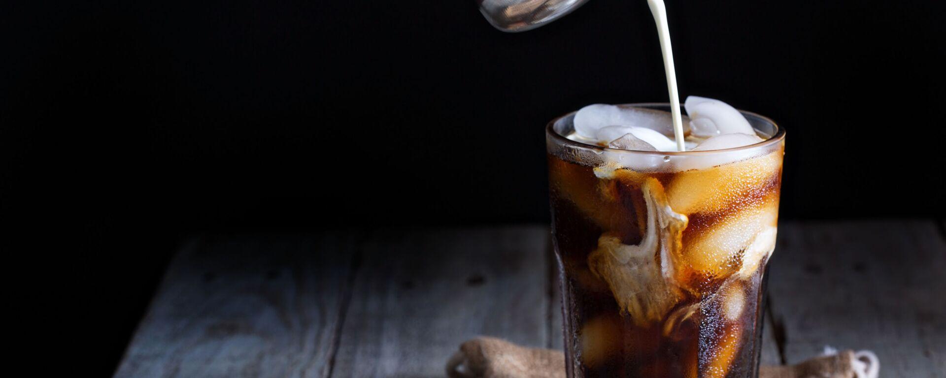 Ledová káva ve sklenici - Sputnik Česká republika, 1920, 05.09.2021