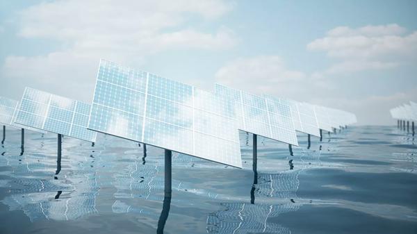 Солнечные батареи у моря - Sputnik Česká republika