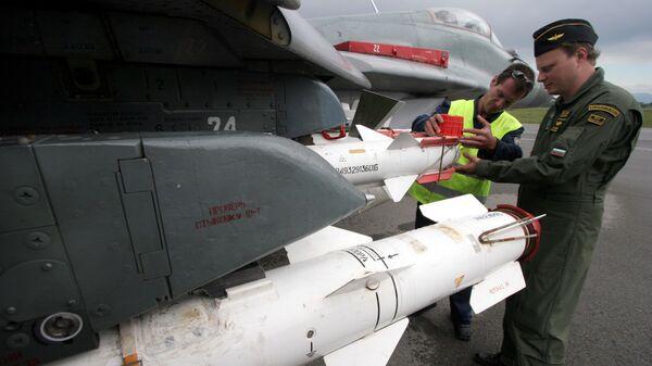 Проверка болгарского истребителя МиГ-29 перед полетом - Sputnik Česká republika