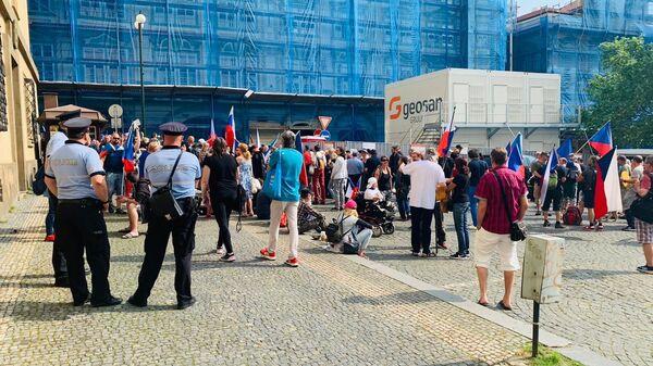 Демонстрация у Палаты депутатов в Праге, Чехия - Sputnik Česká republika